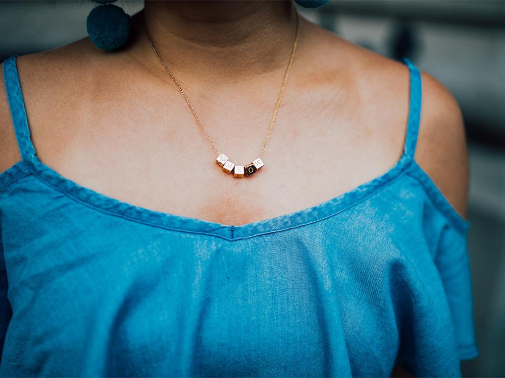 Capsul Jewelry mini block necklace